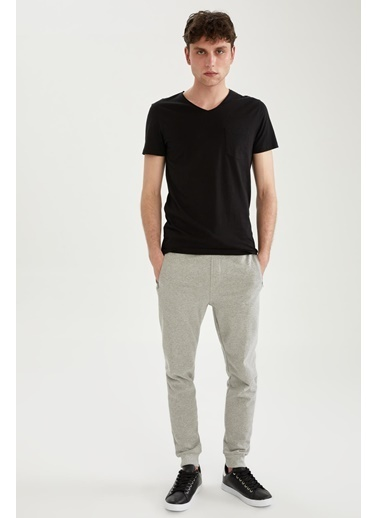 DeFacto Slim Fit V Yaka Basic T-shirt Siyah